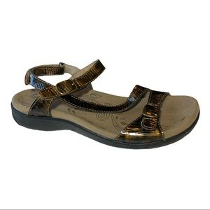 TAOS Bea Leather Strap Sandals Bronze Size 7